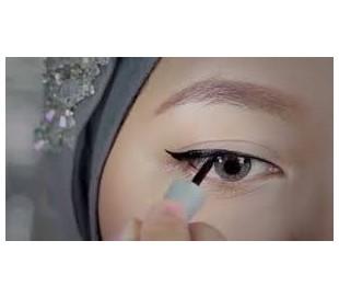 EyeXpert Staylast Gel Eyeliner